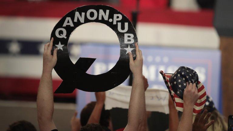 Q: Into the Storm (HBO Max) - 21 март Най-голямата конспиративна теория от последните няколко години - Досиетата на Q, който предричаше следващата голяма война в САЩ. Този документален сериал се гмурка дълбоко в теорията QAnon, изкарвайки наяве как реално започва да се говори за педофили сатанисти в Холивуд и Демократическата партия, за сблъска им с Доналд Тръмп и за това къде остава тази теория във времето на новата администрация в Белия дом.