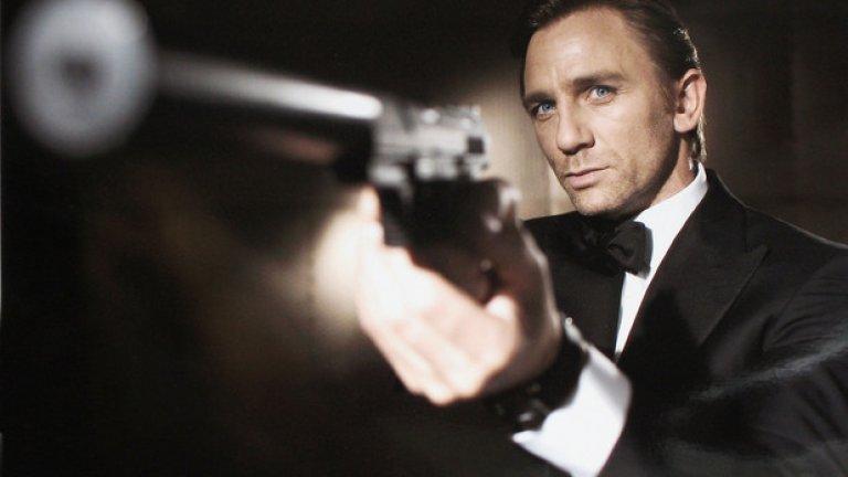 Заглушителят прави стрелбата напълно безшумна   Джеймс Бонд и доста други филмови герои карат зрителя да мисли, че когато пистолетът е със заглушител, стрелбата ще е напълно тиха и незабележима. Така герои като Агент 007 се измъкват безпрепятствено, след като са използвали оръжието си.   Само че заглушителят успява да притъпи само тази част от звука, която идва от експлодиращите газове в пистолета. Куршумът обаче продължава да се движи със свръхзвукова скорост, която няма как да остане безшумна. В такива случаи звукът е подобен на изстрелването на тапата от шампанско или на по-шумно затваряне на вратата на автомобила – приглушен е, но не и напълно неуловим.