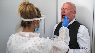 Всички болни от COVID-19 (или мислещи, че са такива) ще се изсипят пред кабинетите на личните лекари. А после?