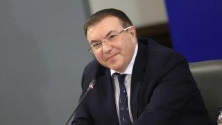 """Бившият здравен министър определи поведението на """"Има такъв народ"""" като непоследователно"""