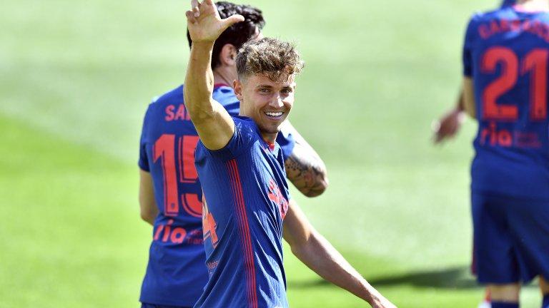 Атлетико се спаси след изпусната дузпа в края и дръпна с пет точки пред Барса и Реал