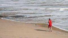 Здравните инспектори ще разрешат ползването на плажа, след като две последователни проби покажат нормални микробиологични показатели