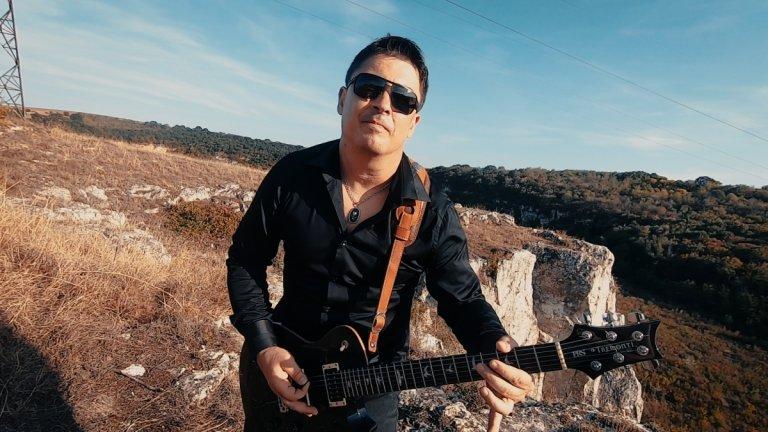 Николай Ганчев (китара)