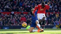 Лукаку бележи изравнителния гол, с който Юнайтед се върна в мача