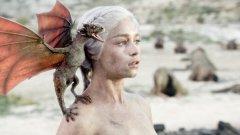 Емилия Кларк  Героинята на Кларк от Game of Thrones е толкова популярна, че хора кръщаваха децата си Денерис или Халиси. Но прехвърли ли се тази популярност върху актрисата?