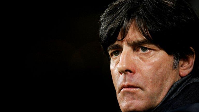 Льов срещу историята  От скамейката Хелмут Шьон изведе Германия до 16 победи на Световно първенство между 1966 и 1978 г. Това е рекорд по победи за един треньор на Мондиал. Настоящият селекционер Йоахим Льов има 11 - пет от 2010 и шест от 2014 г. Ново силно първенство може да го направи номер 1.