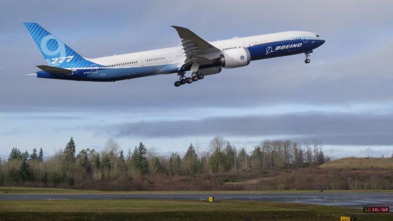 """Boeing 777-9X - новият гигант на """"Боинг"""" е и нова надежда за компанията"""