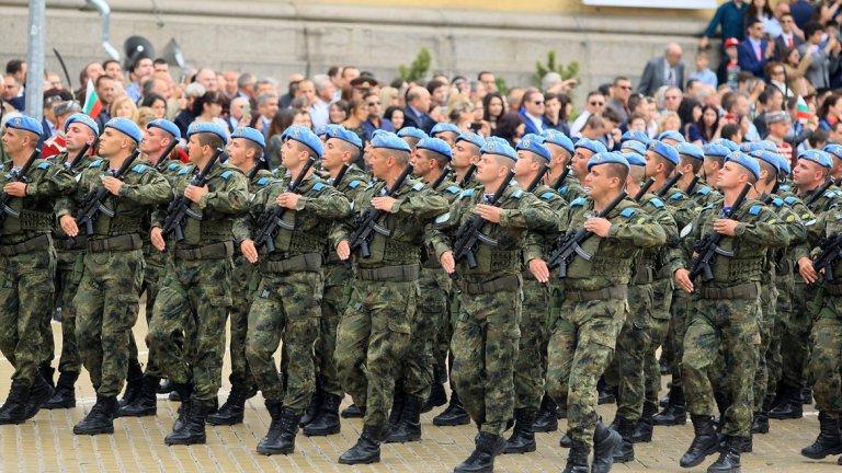 140 години от създаването на Българската армия бяха отбелязани с парад (снимки)