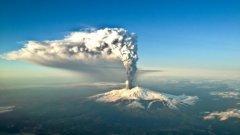 За момента вулканът не представлява опасност за жителите и посетителите на Сицилия