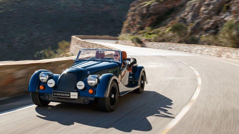 Morgan Plus Four   Plus Four на Morgan е тук, за да ви покаже какво би било да притежавате автомобил с винтидж дизайн, но с най-новите технологии, инсталирани на борда. На пръв поглед моделът прилича на нещо, което е излязло на пазара преди 70 години, но ефектът е напълно търсен. Под капака си пък има всички достижения на XXI век, които са му необходими.   Колата може да развие до 240 км/час със своя четирицилиндров двигател. Отнема му около 4,7 секунди да ускори от 0 до 100 км/час. Клиентите могат да избират между ръчна и автоматична скоростна кутия. Интериорът е от естествена кожа и дърво, а върху всяка седалка е избродирано логото на Morgan.  Това е и едно от най-бюджетните предложения в този списък - цената му е около 85 хил. долара за варианта с ръчна скоростна кутия.