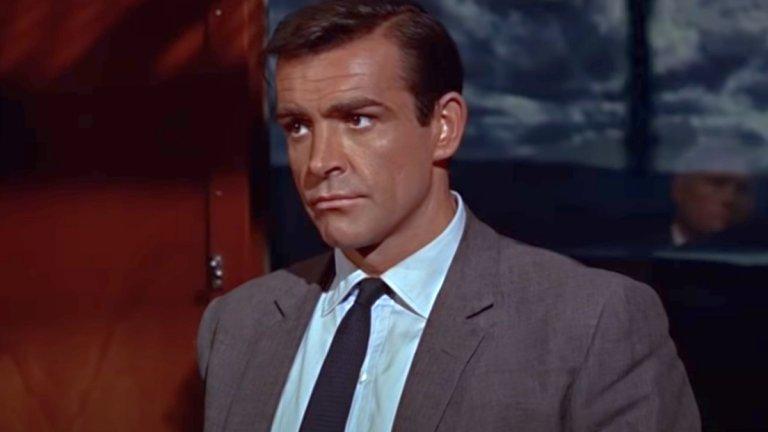 """""""От Русия с любов"""" (From Russiа With Love, 1964 г.) Бонд е: Шон Конъри  Споменатата тайна организация - СПЕКТЪР - има още по-важна роля във втория филм за агент 007. Тук разчитането на джаджи, характерно за по-късните филми (с Пиърс Броснан например) още го няма, а Бонд е по-близък до оригинала от романите на Иън Флеминг.  Историята продължава тази от """"Доктор Но"""" - СПЕКТЪР планират кражба от СССР, както и отмъщение срещу Бонд. Агент 007 обаче се забива като прът в плановете на организацията, а междувременно успява да отбележи поредното си завоевание и на любовния фронт. Класика!"""
