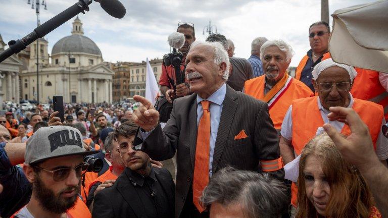 Лидерът на протеста Антонио Папалардо