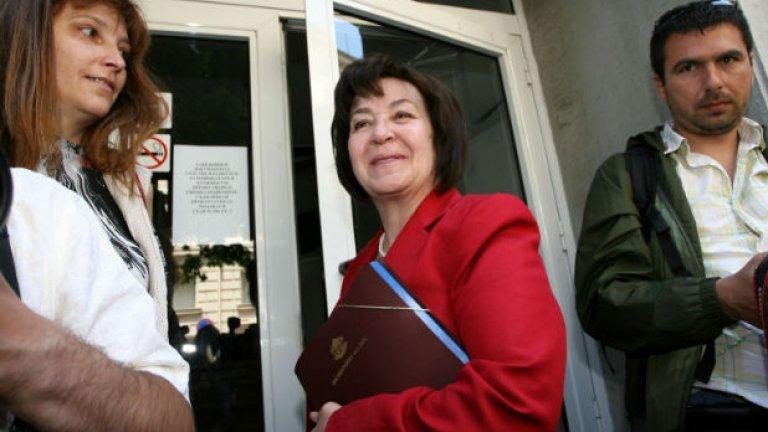 Може би е по-добре да нямаме правораздаване, коментира Ана Караиванова