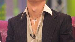 През 2004-та Кристиано изглеждаше така, но оттогава смени много пъти визията... Вижте в галерията модната му еволюция през годините.