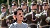 Армията е задържала президента и държавния съветник, а ситуацията е изключително нестабилна