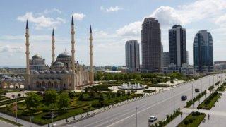 Съвременният облик на Чечня носи дълбоките белези на двете войни от 90-те години, след които в кавказкия регион започна да се развива радикален ислямизъм