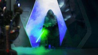Създателите на The Mandalorian разказват какво е трябвало да направят, за да съхранят изненадата за феновете цяла една година.