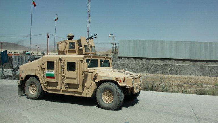 М1151 Бронирана версия на знаменития джип Humvee (произвеждан в цивилно изпълнение под името Hammer). Бронята при този модел е усилена за да издържа на импровизирани взривни устройства и има купол за картечница.