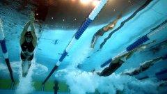 """Любовта на Дежонг към плуването датира още от детските му години. Израснал е в малък град край езерото Мичиган, като плува през цялото време. Става състезател на 8-годишна възраст, а дори след години на тренировки, състезания в колежа и професионална кариера, той изобщо не мисли за плуването като за """"работа""""."""