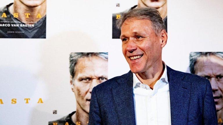 Ван Бастен: Хааланд е по-добър от Левандовски
