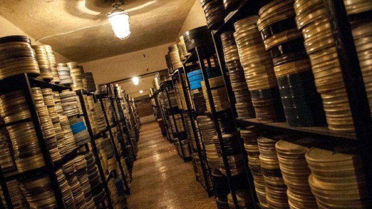 Филмотеката пази уникално ценни материали, но архивите й гният