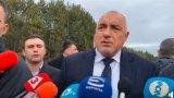 Премиерът отпътува за среща с турския президент заради бежанците