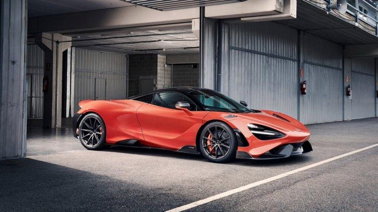 """McLaren 765LT   От McLaren смятат, че новият 765LT има """"нормално представяне"""" на пътя, като под това компанията разбира 755 конски сили, осемцилиндров двигател и максимална скорост от 330 км/ час. Ако беше стигнал до Женева, автомобилът щеше да попада по-скоро по средата в списъка със суперколи.    Петият автомобил от серията LT получава някои козметични промени по дизайна като нов заден спойлер, нови предни и странични брони и малко по-дълга база.   От модела ще бъдат произведени точно 765 бройки, откъдето идва и номерацията му, а доставките започват през септември. Цената на 765LT e 353 600 долара."""