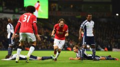 Дейли Блинд донесе точка на Юнайтед с гол в 87-ата минута.
