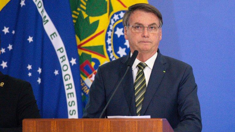 """Президентът Жаир Болсонаро продължава да твърди, че това е """"просто лек грип"""""""