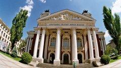 Заради избора на Слави Бинев за председател на Комисията по култура и медии, трупата на Народния театър е готова да напусне