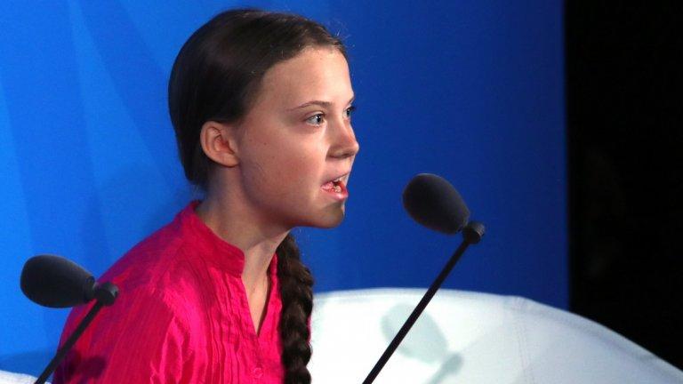 """20. Грета Тунберг При Грета Тунберг пратеникът е и посланието. 16-годишната шведска активистка за промените в климата стана безспорното лице на младите зелени инициативи за по-чист свят. Тя олицетворява и гнева на своето поколение по темата: """"Тези, които взимат решенията днес, не са тези, които утре ще трябва да живеят с последствията."""" Това, което започна със стачката на един ученик (Тунберг) пред шведския парламент, днес е глобална мрежа от протести по целия свят, привлекли милиони демонстранти, голяма част от които ученици. По време на изяви пред сградата на Организацията на обединените нации в Ню Йорк, националните парламенти на редица държави и пред Европейския парламент, Тунберг налага своето послание към хората с власт: """"Слушайте учените, направете повече сега"""". Появата на Тунберг като екологична суперзвезда съвпадна с нарастването на подкрепата за зелените партии, особено в богати страни от Северна Европа като Германия, Белгия и Холандия. Междувременно новият председател на ЕК Урсула фон дер Лейен обеща по време на своето председателство да постави въпроса за европейска Зелена сделка като основен свой приоритет."""