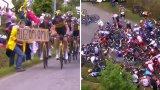 """Как жена с картон предизвика масово падане на """"Тур дьо Франс"""" (видео)"""