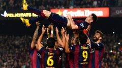 22 ноември 2014-а. Лео е подхвърлян във въздуха от съотборниците му в Барса, след като нанизва хеттрик във вратата на Севиля и чупи великия рекорд на Телмо Сара - 335 гола в Примера. Аржентинецът държи над 20 индивидуални рекорда във футбола.