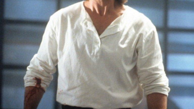 """Кърт Ръсел е дете-актьор, а после има знаменита кариера като състезател, за да се върне пак в киното. Бейсболът е в кръвта му, точно както и актьорството. Нещо повече: неговият баща също е не само актьор, но и бейзболен играч. Всъщност Ръсел има потенциала да стане сериозен професионален спортист, но вместо това се снима в класиките """"Големи неприятности в малкия Китай""""  и """"Бягство от Ню Йорк"""", което възпрепятства спортната му кариера"""