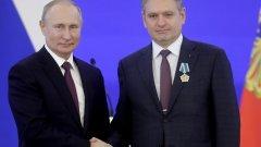 Владимир Путин и Николай Малинов на церемонията в Кремъл