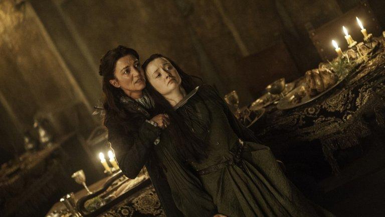 """""""Червената сватба"""" в """"Игра на тронове"""" (2013)  """"Внимавай... те са зад теб! Всъщност не, те са навсякъде около теб. И сега намушкват бременната ти жена в корема..."""" Дейвид Бениоф и Ди Би Уайс се доказаха като майстори на неочакваното. По времето на предпоследния епизод на """"Игра на тронове"""", наречен """"Дъждовете на Кастамир"""", сигурно са се чувствали на върха на света."""