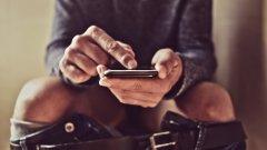 Как мобилните устройства и социалните мрежи се сляха в перфектна симбиоза и обсебиха ежедневието ни.