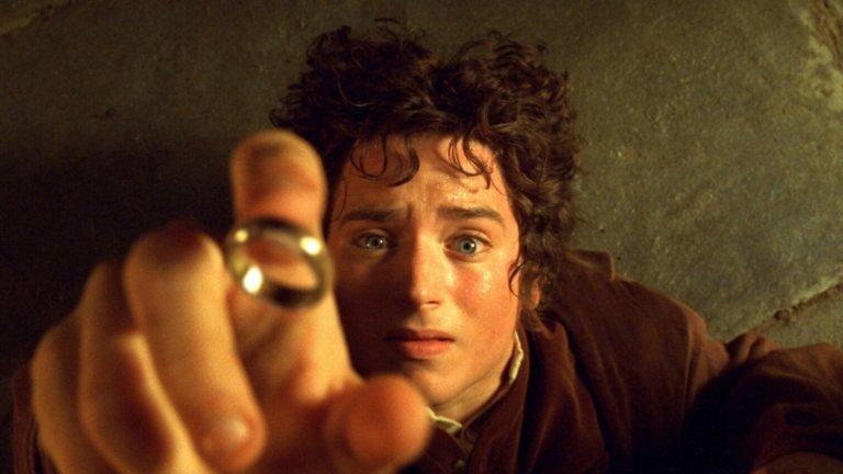 """Най-добрите при филмите  При филмите са три лентите, които освен касов успех сред публиката, държат и рекордите за най-много взети статуетки. По 11 Оскара са получили филмите """"Бен Хур"""", """"Титаник"""" и """"Властелинът на пръстените: Завръщането на краля"""". От трите рекордьора филмът на Джеймс Камерън е получил най-много номинации - цели 14, като исторически си поделя това постижение с драмата от 50-те """"Всичко за Ева"""" и мюзикълът """"Ла Ла Ленд"""", също номинирани в 14 категории."""