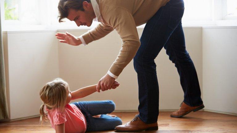 Въпросът кога или къде възрастните могат физически да дисциплинират децата си продължава да провокира дебати