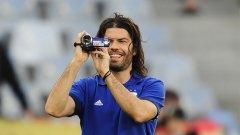 Във визитката на Ариел Гарсе пише: Участник на Мондиал 2010 с отбора на Аржентина.