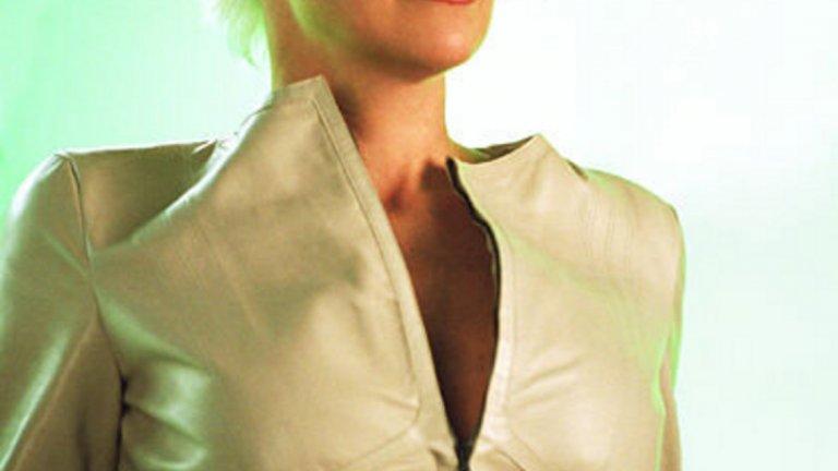 """Шарън Стоун в """"Жената котка""""   Трудно е да повярваме, че актрисата, изиграла роли като тези в """"Първичен инстинкт"""" и """"Казино"""", се е съгласила да участва в този филм. Всичко е него е под нивото й – сценарий, сюжет, специални ефекти, режисура. Въпреки видимите усилия да изиграе ролята си прилично и достоверно, тя си остава истинска обида за Шарън Стоун."""