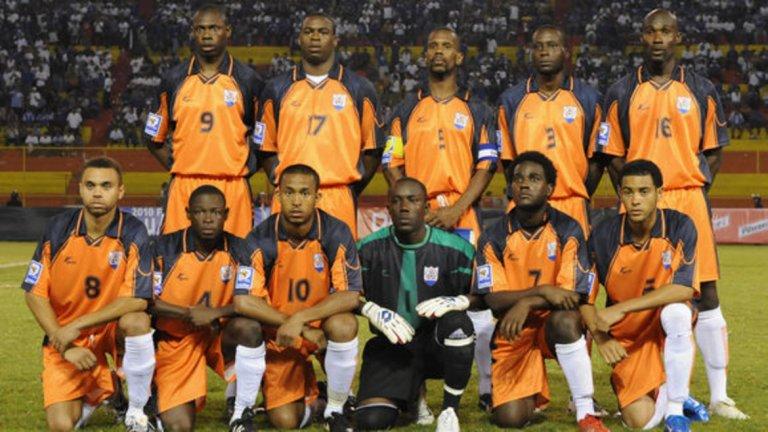 Ангила - рекордно класиране №190 Отборът няма гол от 2012-а (1:4 с Френска Гвиана). В последните си 10 мача Ангила е допуснала 55 гола - средно по 5.5.
