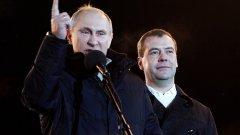Оставянето на непопулярно правителство да се клатушка може да навреди на рейтинга на Владимир Путин
