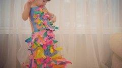 Изработването на тази рокля със сигурност е било много забавно