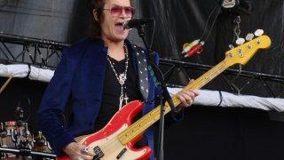 Музикални хроники: През 70-те беше златният глас на рока, 80-те му се губят, през 90-те стигна дъното, но намери сили да се изправи