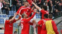 Футболистите на ЦСКА се радват на гола, с който Спас Делев откри резултата