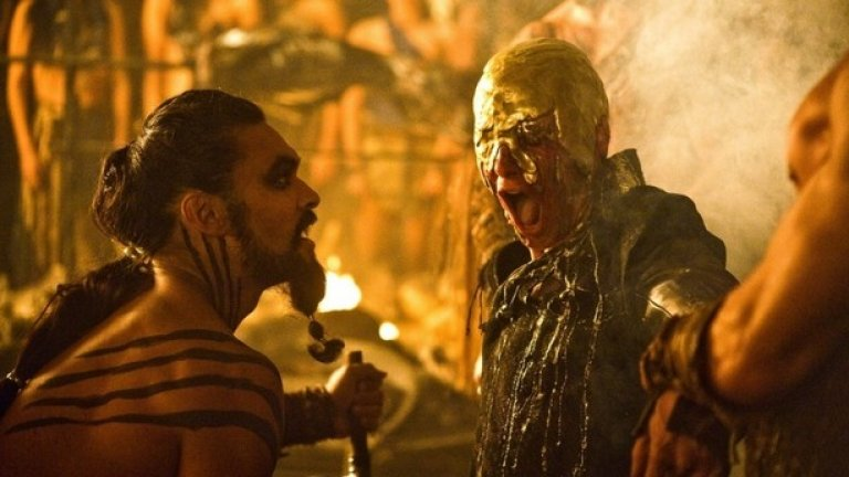 Висерис Таргариен - Game of Thrones  В Game of Thrones е пълно с ужасни хора и затова си е постижение да се отличиш сред тях като особено отвратителен. Братът на Денерис успя да го направи и смъртта му още през първия сезон си беше като подарък за възмутените от него зрители. Той беше разглезен, егоистичен и самоуверен принц, готов на всичко, за да се изкачи на железния трон, включително да убие сестра си и нероденото й дете.