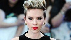 Едно красиво лице трябва да се вижда и новата къса прическа на Скарлет Йохансон е добър пример за това.