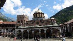 Най-големият български манастир се комерсиализира като църквите в Гърция.