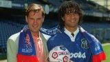 Рууд Гулит с Глен Ходъл при представянето на нидерландеца като играч на Челси